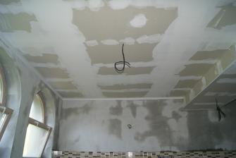 SDK sa bude ešte brúsit, steny musia uschnúť a može sa malovať