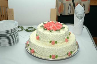 A dortík ve skutečnosti - byl mňam mňam - lehký krém a uvnitř schované mandarinky!