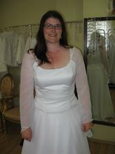 Šaty 2 na mně - bílá paní, nelíbí se mi.