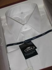 Nádherná běloskvoucí košile Janek Exclusive-klasický límeček, skryté zapínání, na manžetové knoflíčky.