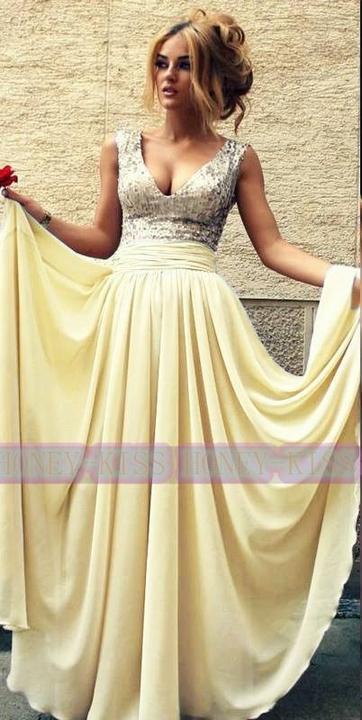 edaaba236313 Spoločenské šaty za 89 eur -