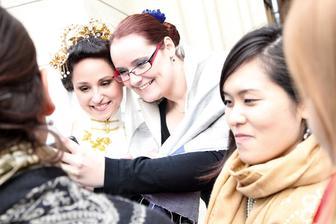 Fotíme sa so svedkyňou na iPhone a celé to zachytila fotografka.