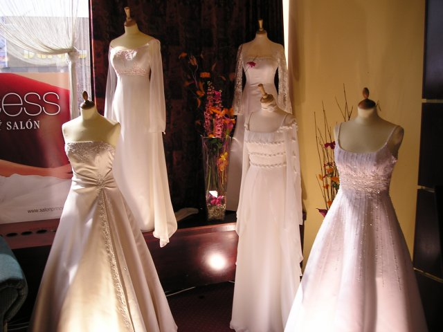 Výstava SVADBA 2005 Košice, HOTEL SLOVAN - šaty