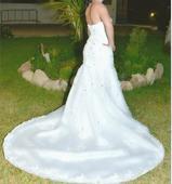 Luxusní korzetové šaty s vlečkou, 36