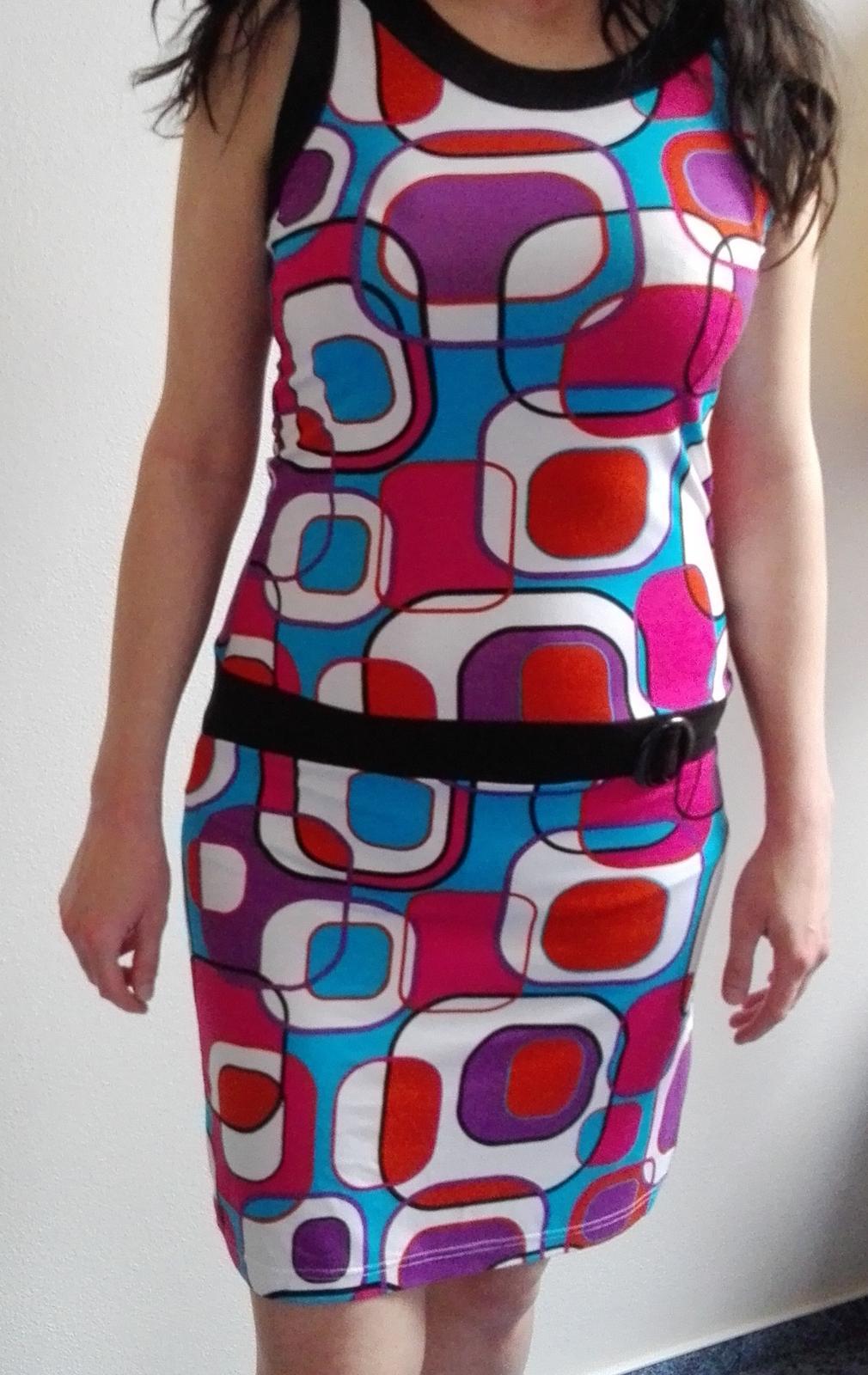 Veselé letní šaty - Obrázek č. 1