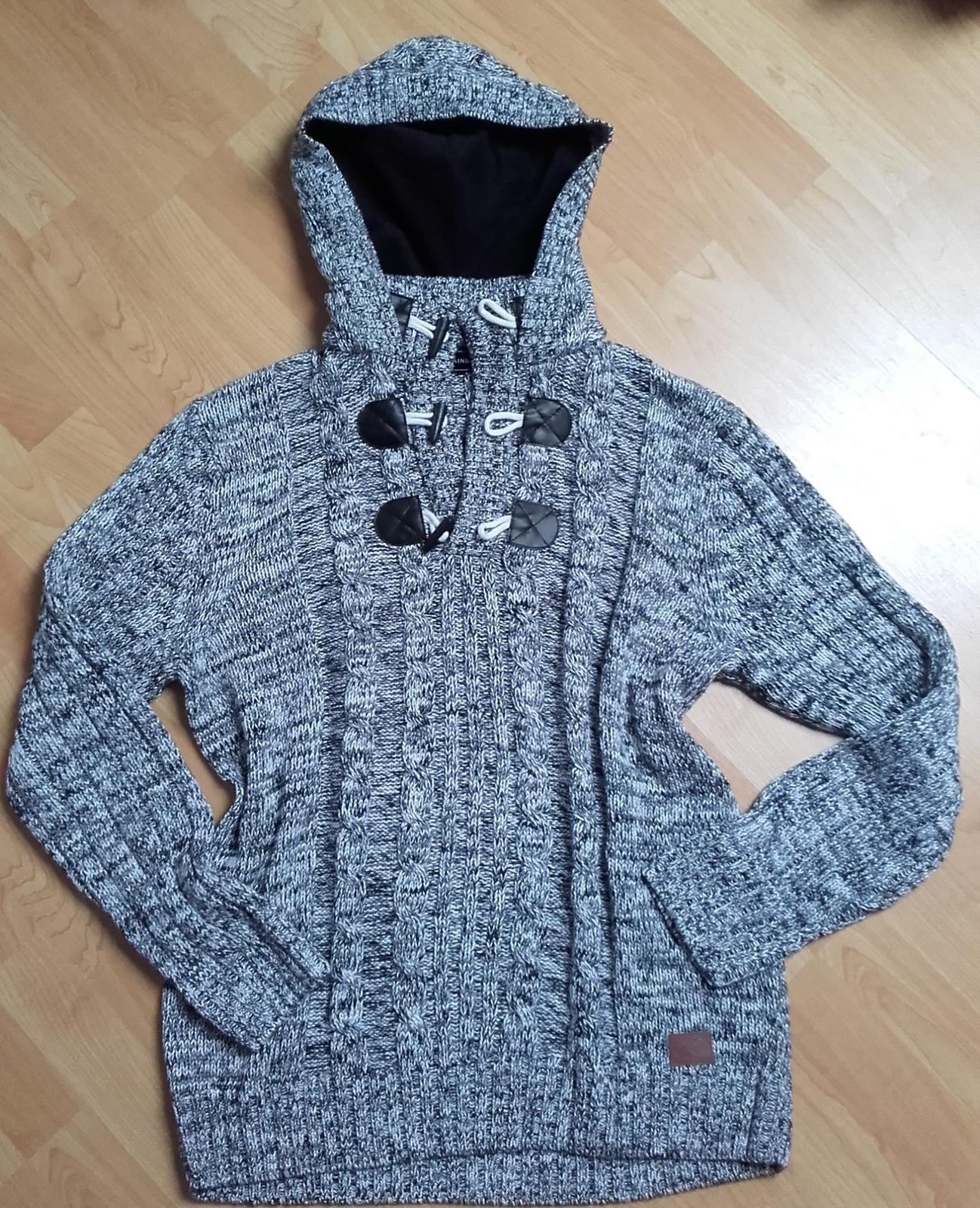 Pánský svetr Slim Fit s kapucí  - Obrázek č. 1
