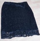 Krajková sukně, 42