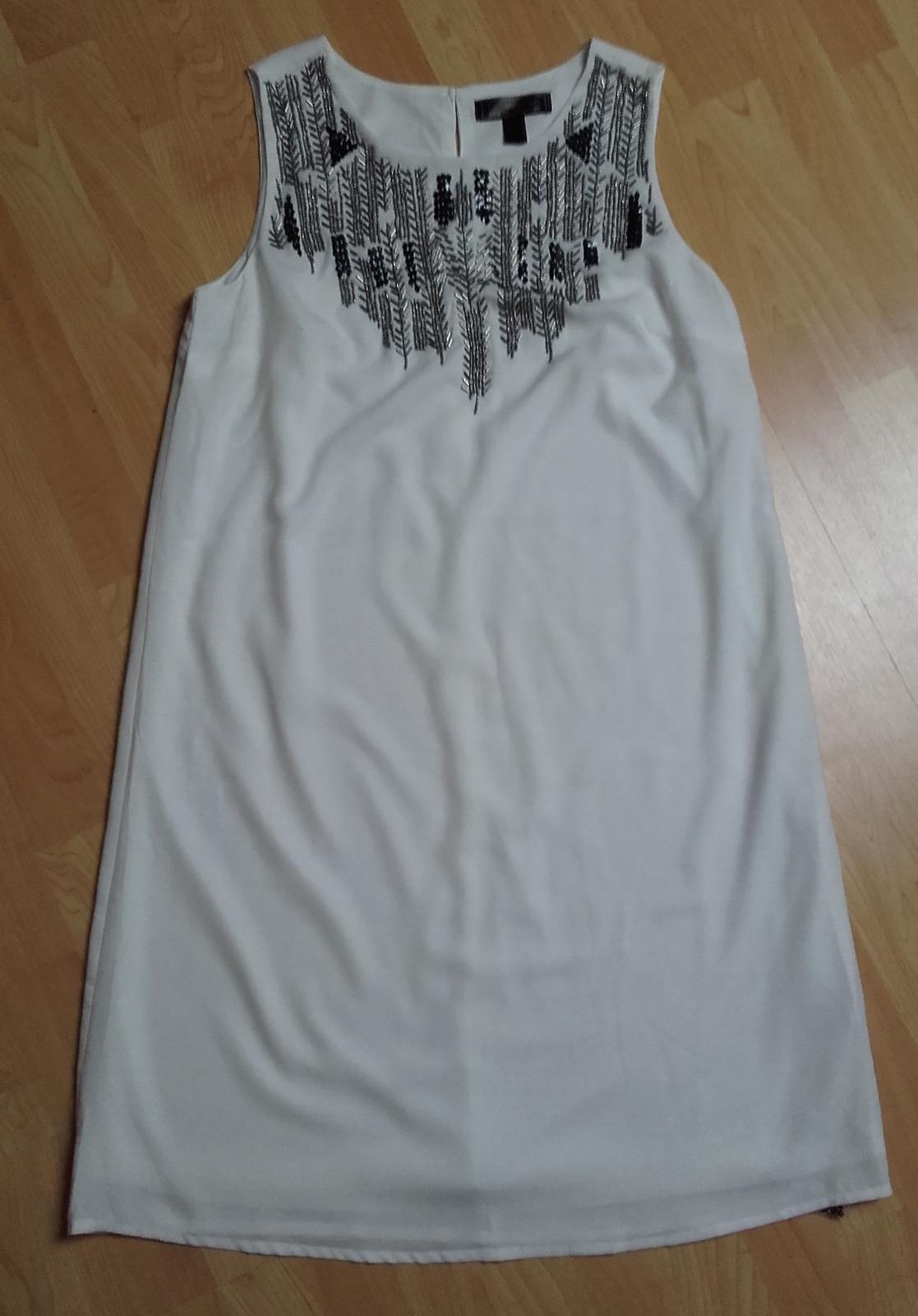 Šaty s výšivkou - Obrázek č. 1