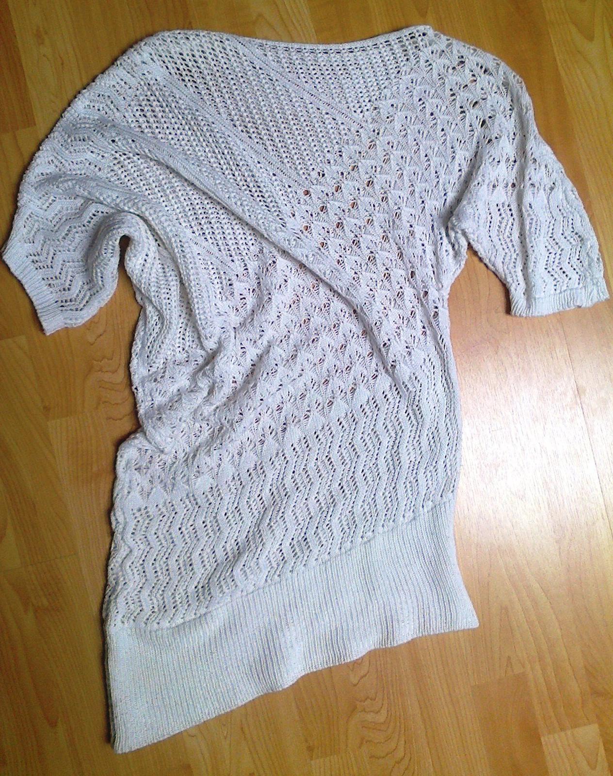 Háčkované asymetrické tričko   - Obrázek č. 1