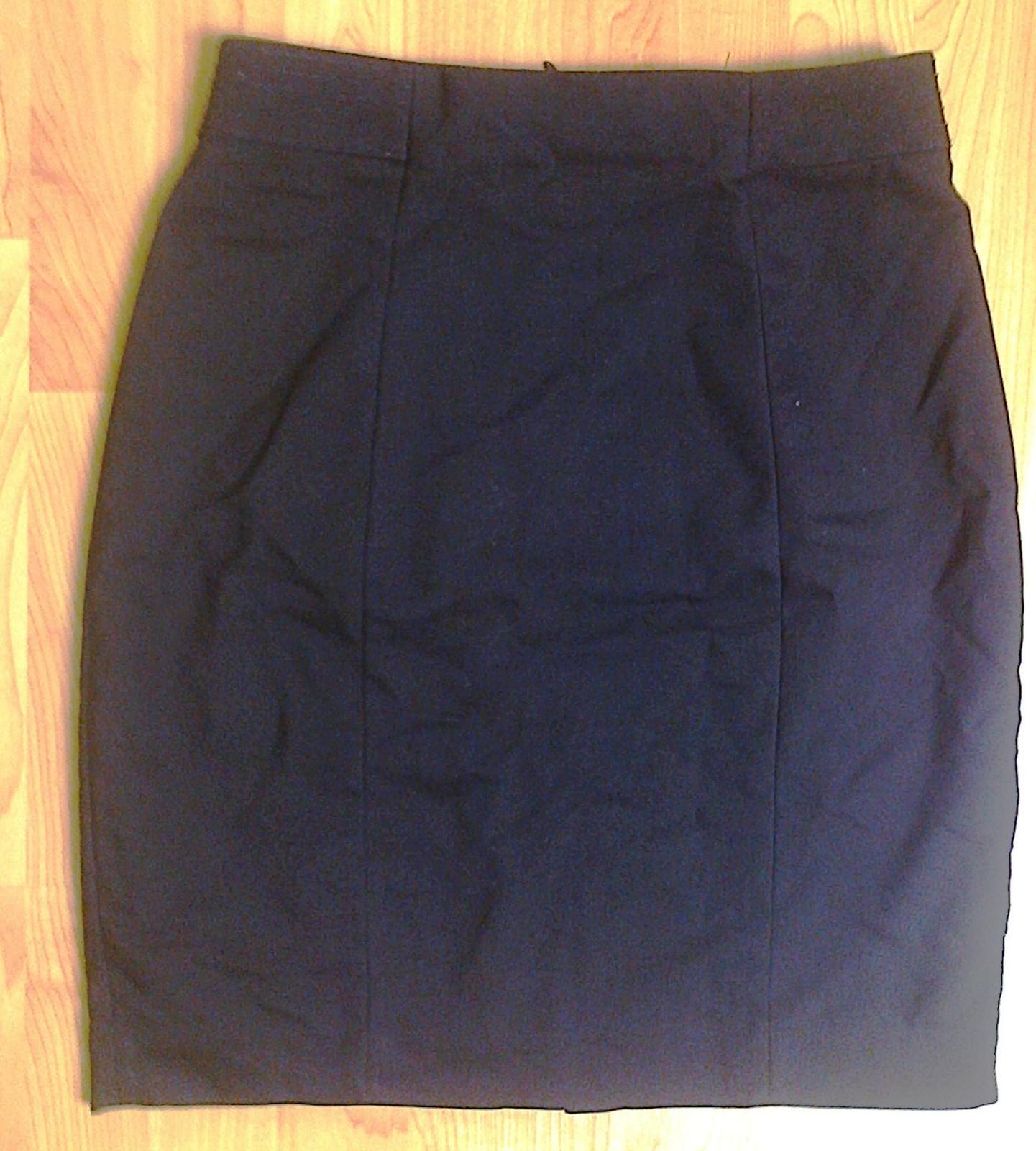 Černá sukně - Obrázek č. 1