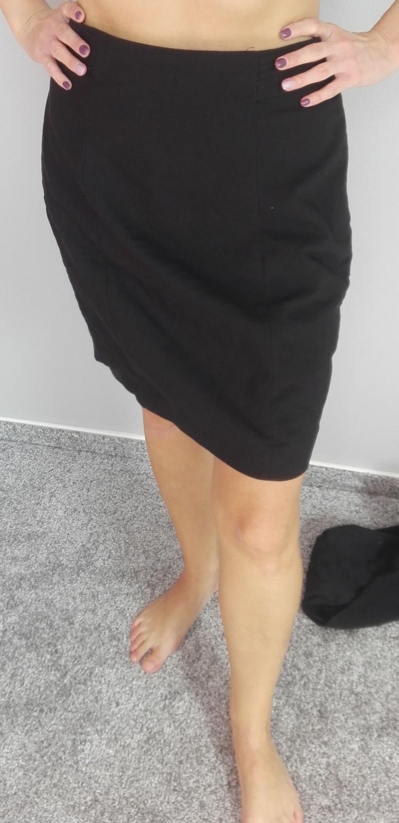 Černá sukně - Obrázek č. 3