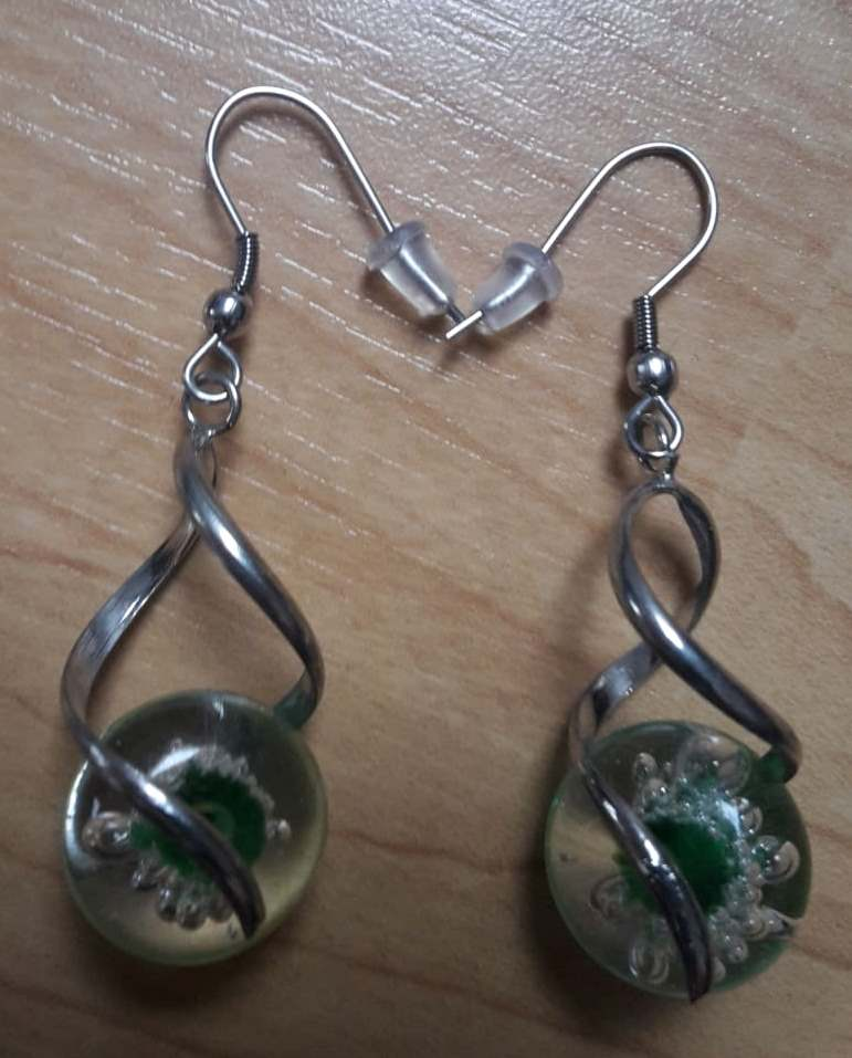 Náušnice se zelenými kamínky  - Obrázek č. 1
