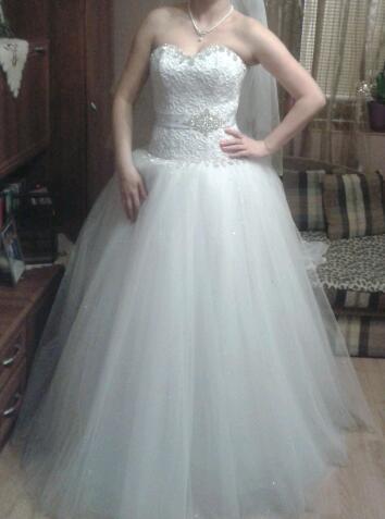 Kto by mal záujem, tak predávam svadobné šaty z najnovšej kolekcie, prosím záujemcov, aby mi napísali do správy:-))))) - Obrázok č. 1