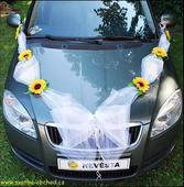 Výzdoba na auto so slnečnicami,