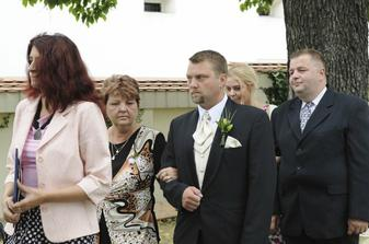maminka už vede ženicha