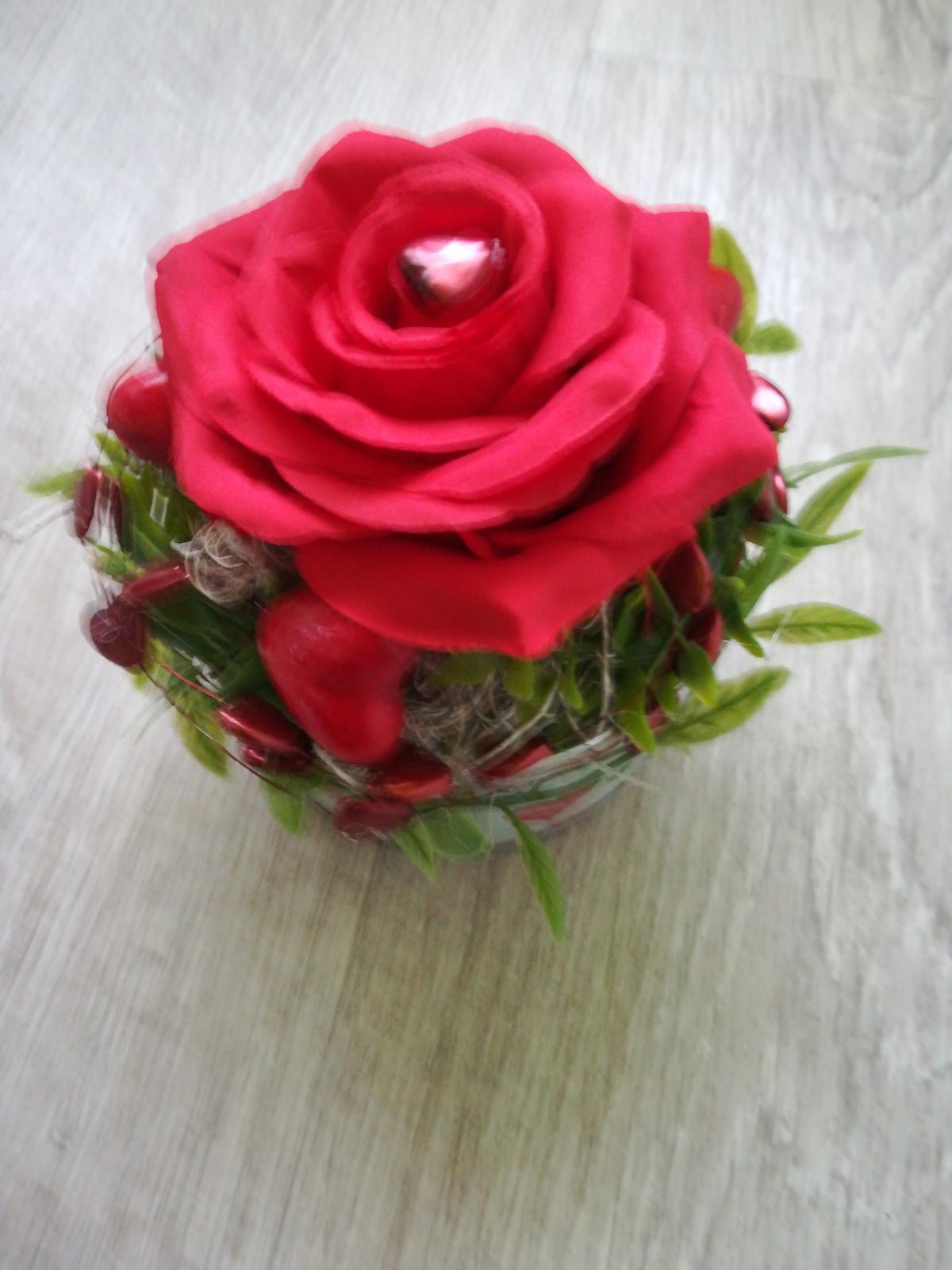 Červená ruža, aranžmán - Obrázok č. 1