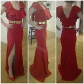 Nádherné červené šaty,