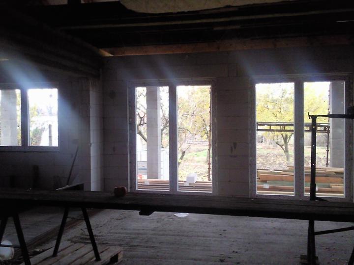 Stavba nasho bungalovu - okna namontovali 17.11.2009
