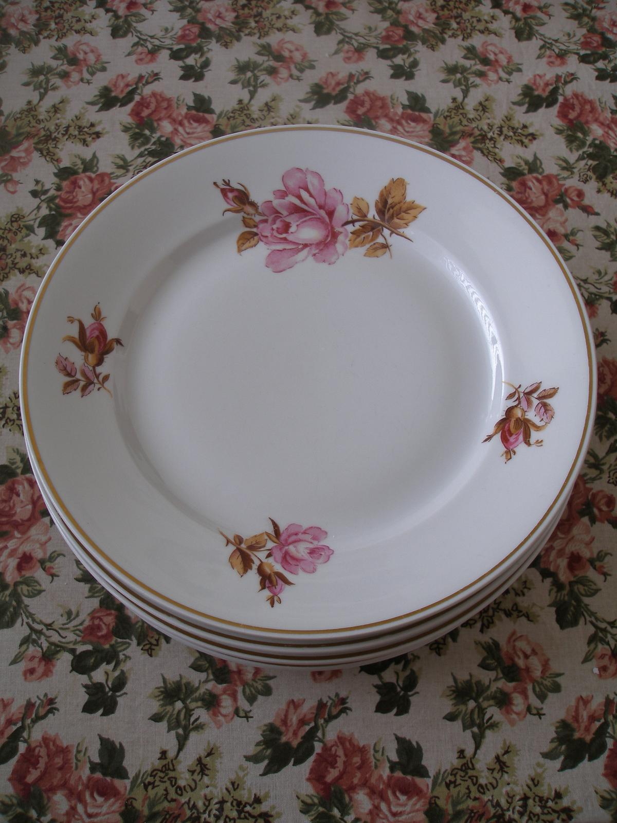 Dezertné taniere s ružou - Obrázok č. 1