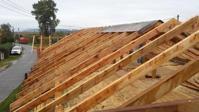 krov za 3 dni skoro cely hotový.