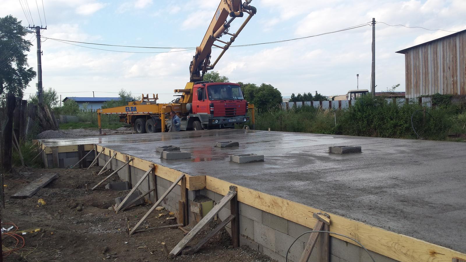 Bungalov O&I - Betónovanie platni