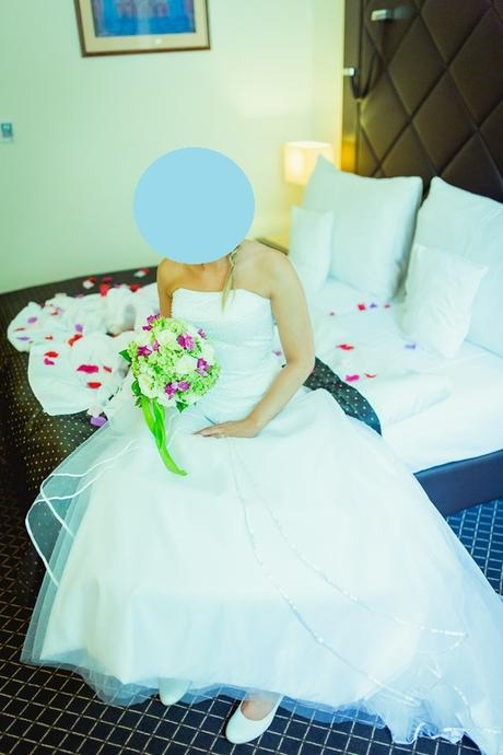 Bílé svatební šaty s tylovou sukní vel. 34 - 38 - Obrázek č. 1