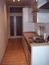 pohled na kuchyň