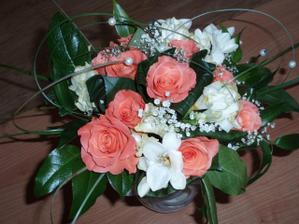 kytička 6 dní po - růžičky krásně rozkvétají