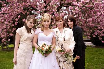 maminka + sestry nevěsty