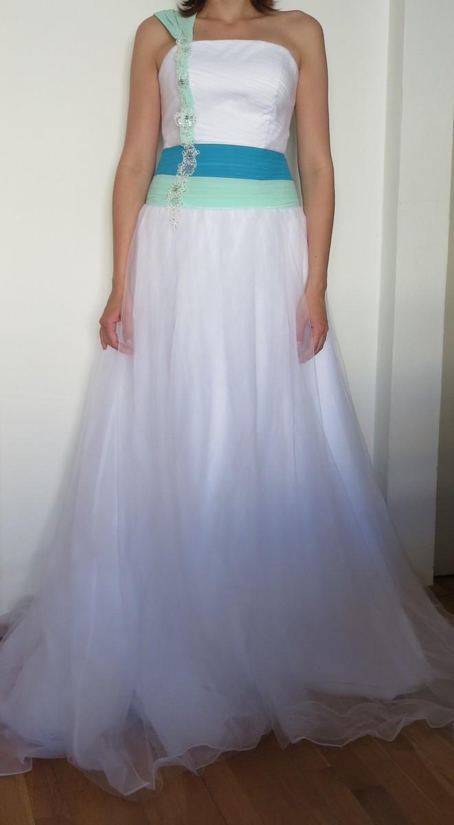 Svadobné/ spoločenské šaty - Obrázok č. 1