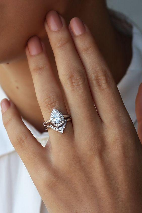 Super nápad na kombinaci zásnubního a snubního prstýnku. - Obrázek č. 3