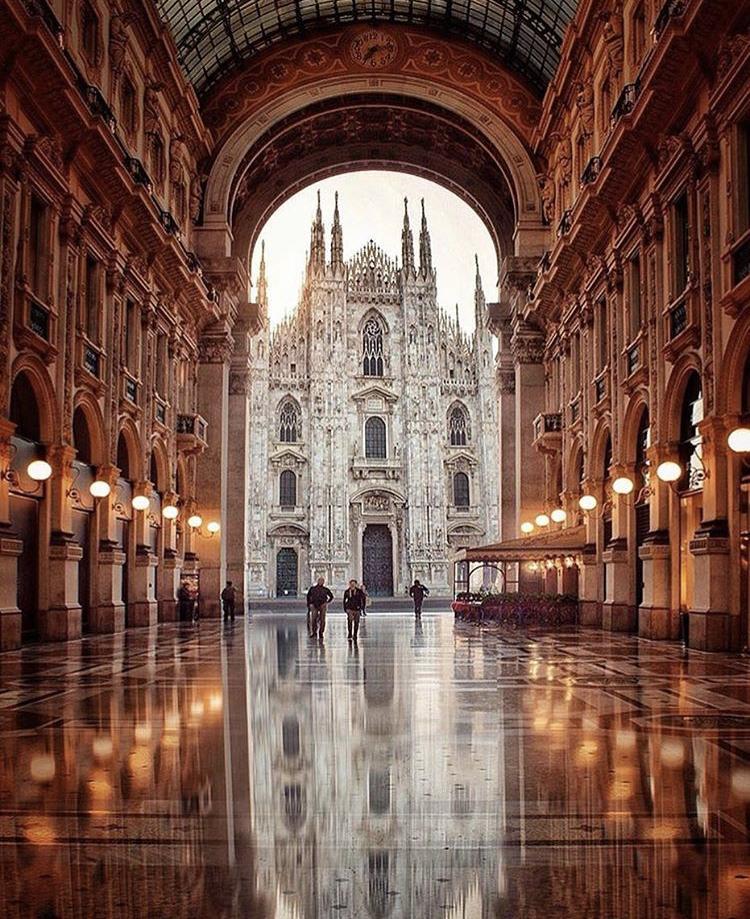 Romantická místa - zásnuby či dokonce svatba? - Milán - Itálie
