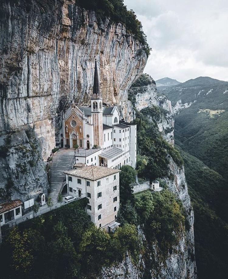 Romantická místa - zásnuby či dokonce svatba? - Madonna della Corona