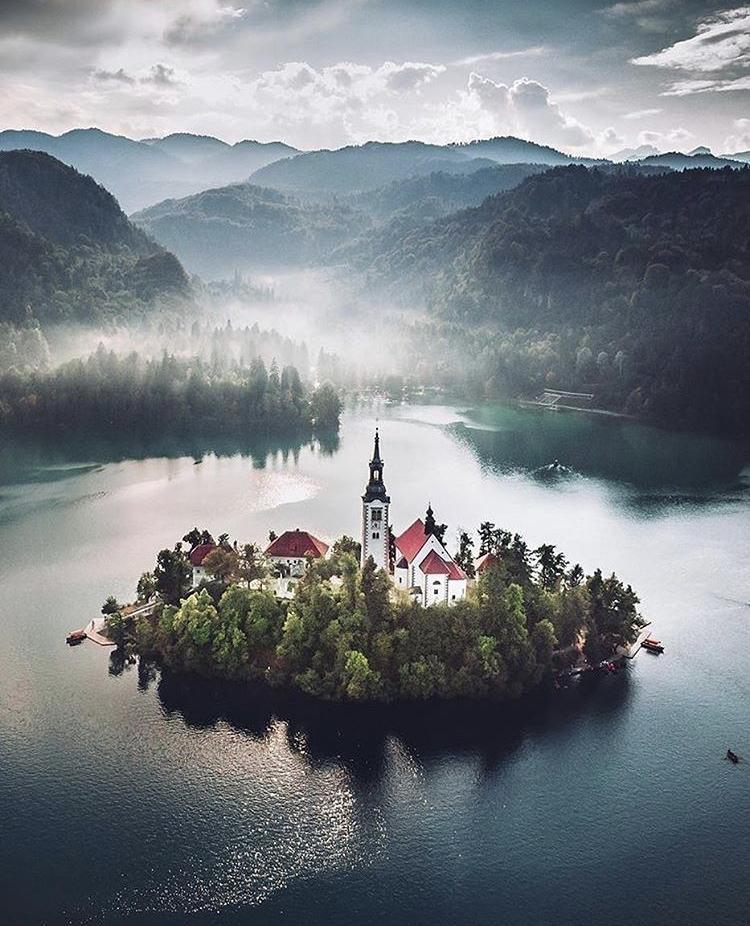 Romantická místa - zásnuby či dokonce svatba? - Lake Bled