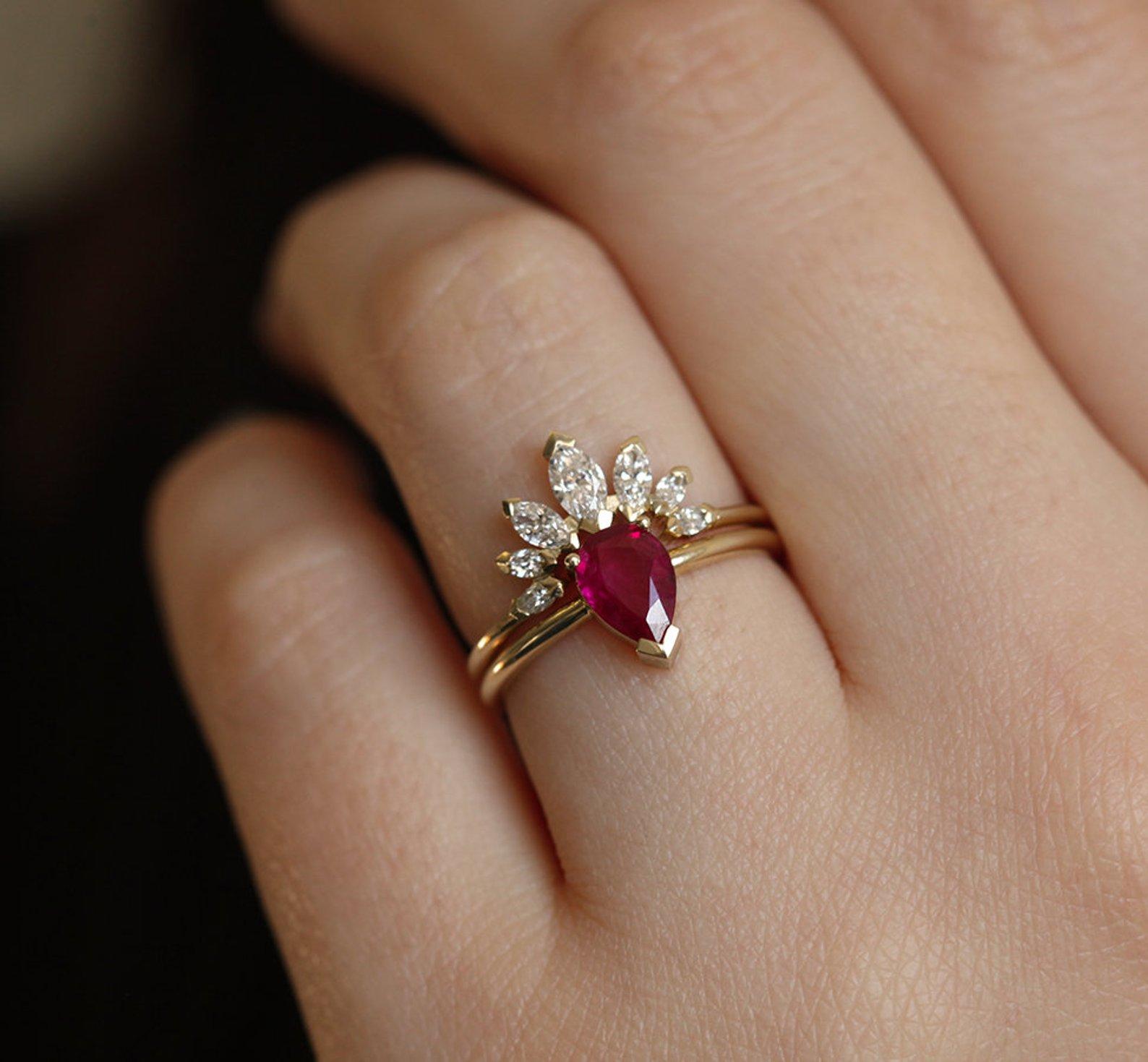 Super nápad na kombinaci zásnubního a snubního prstýnku. - Obrázek č. 4