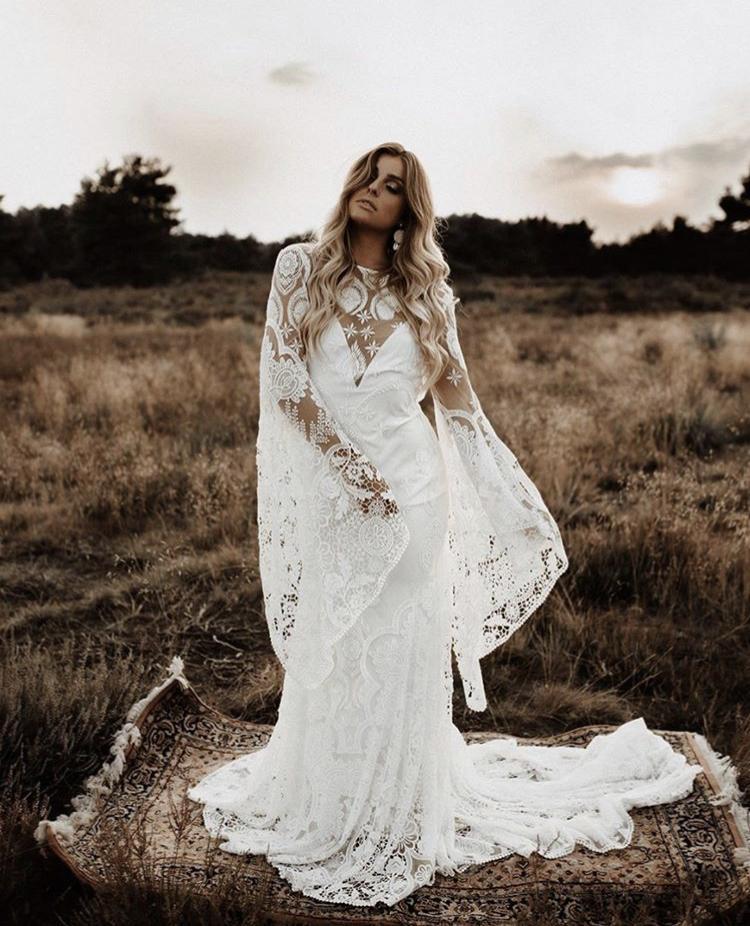 Svatební šaty - Obrázek č. 10