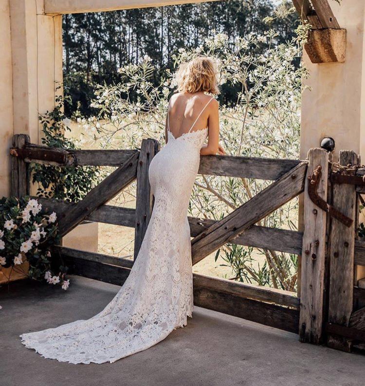 Svatební šaty - Obrázek č. 13