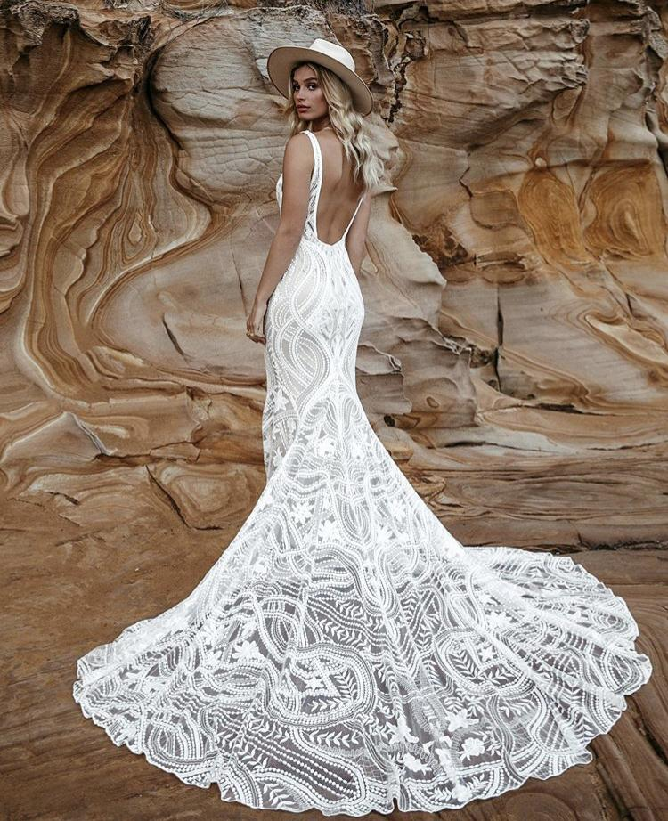Svatební šaty - Obrázek č. 11