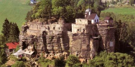 Tady bude obřad - Skalní hrad Sloup