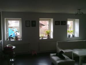 Poradite co do oken? jsou mala a nepravidelne vedle sebe (90x120 )