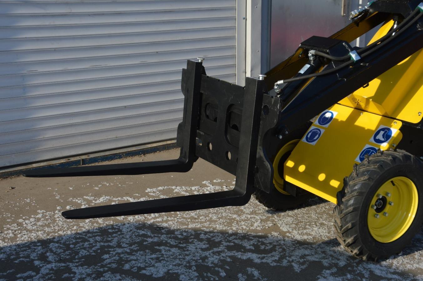 Skvelý silný a nekompromisný mini nakladač, ktorý využijete v stavebníctve, záhradníctve ale aj poľnohospodárstve a na farmách. - Obrázok č. 1