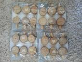 Dekorativní kolíčky s dřevěnými koláčky. 24 ks,