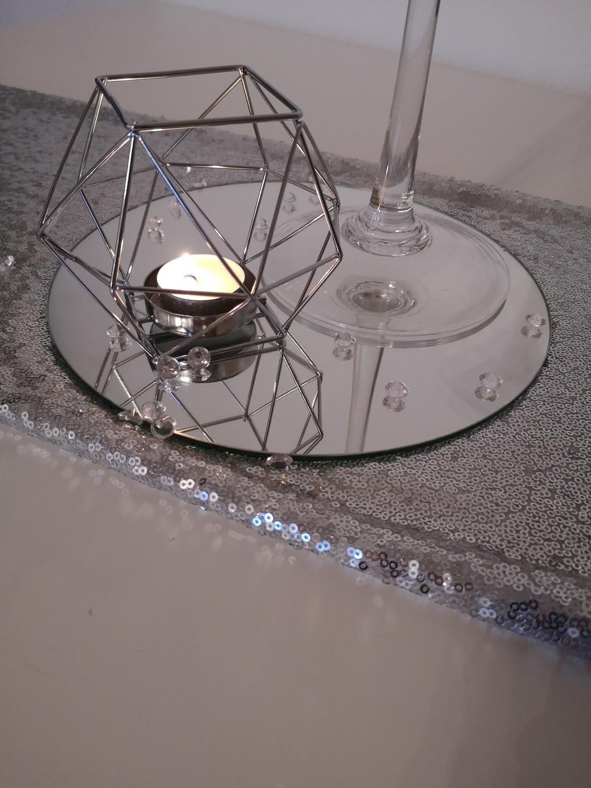 Dekorácie stolov pre svadobných hostí - Obrázok č. 7
