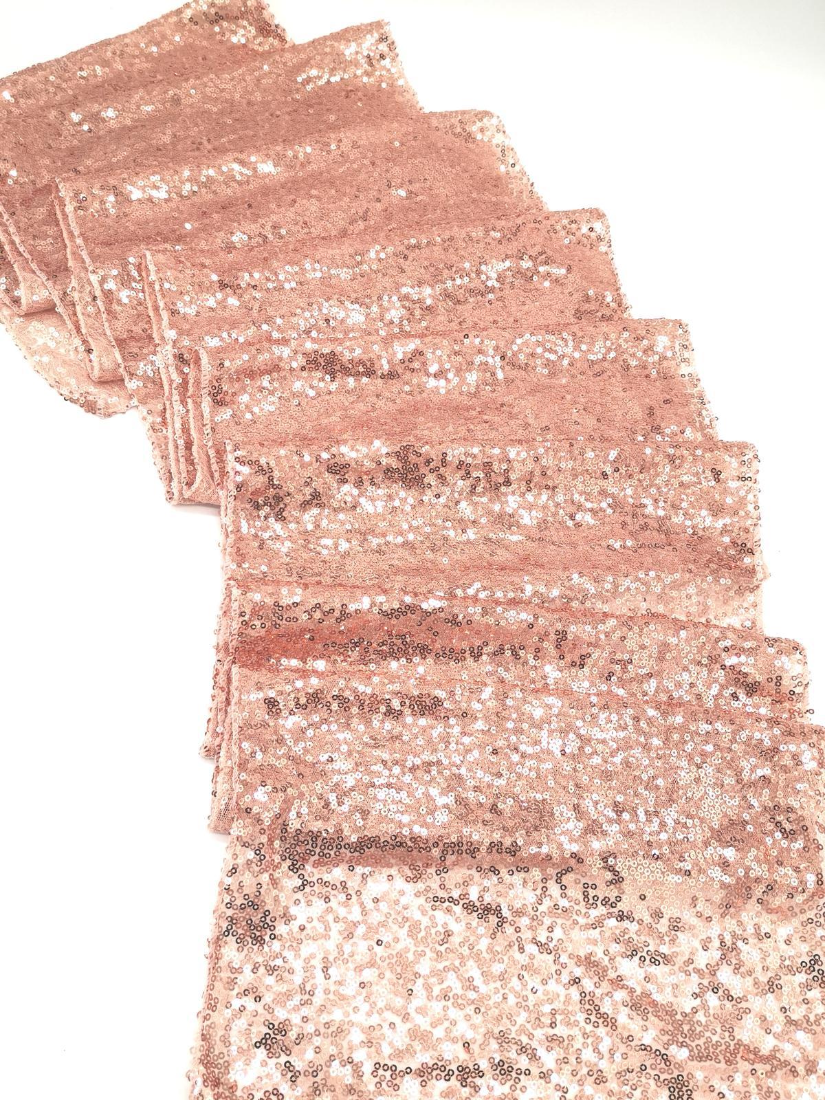 Prenájom - Flitrovaný behúň vo farbe rose gold - Obrázok č. 1