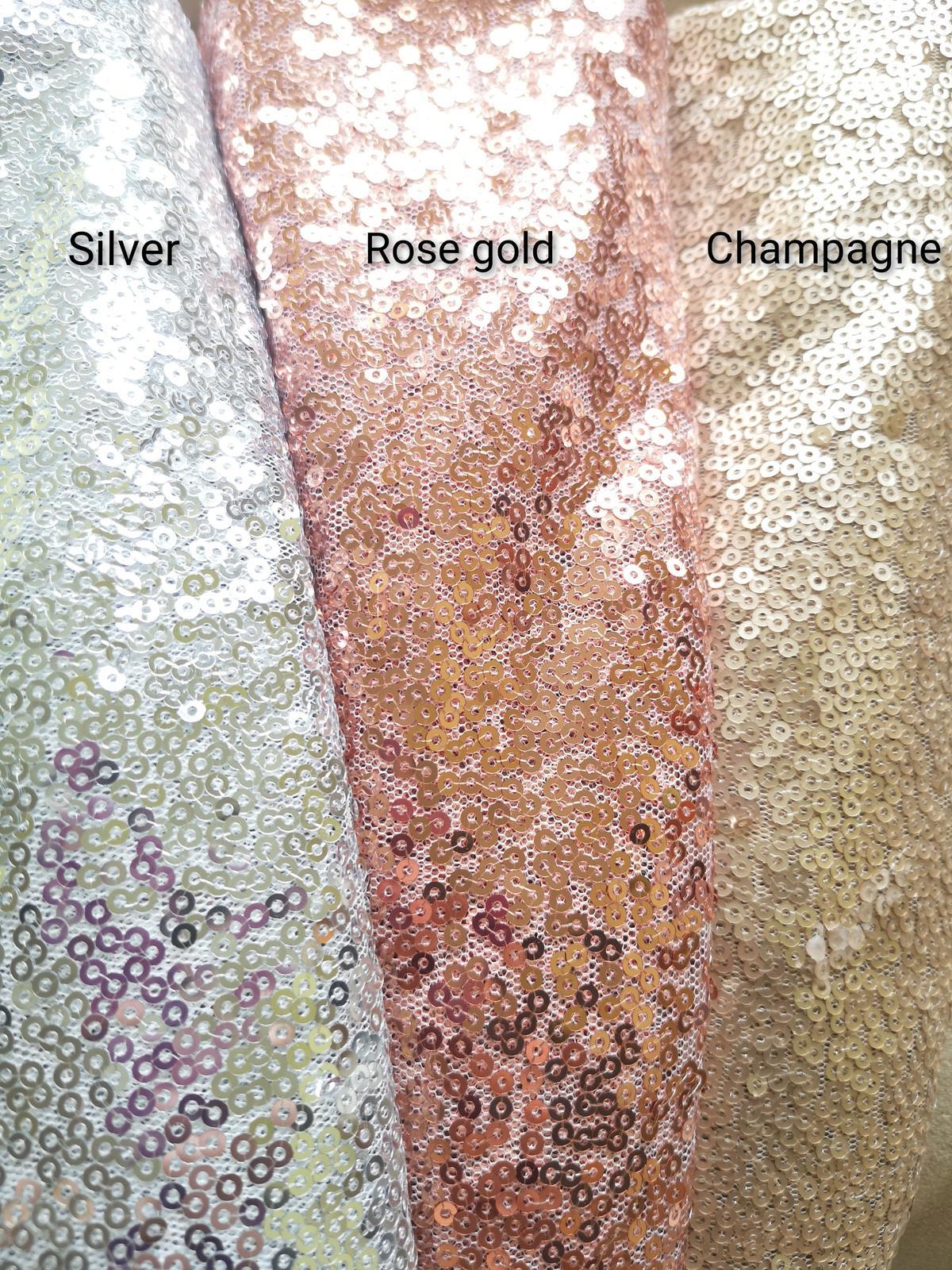 Prenájom - Flitrovaný behúň vo farbe rose gold - Obrázok č. 3
