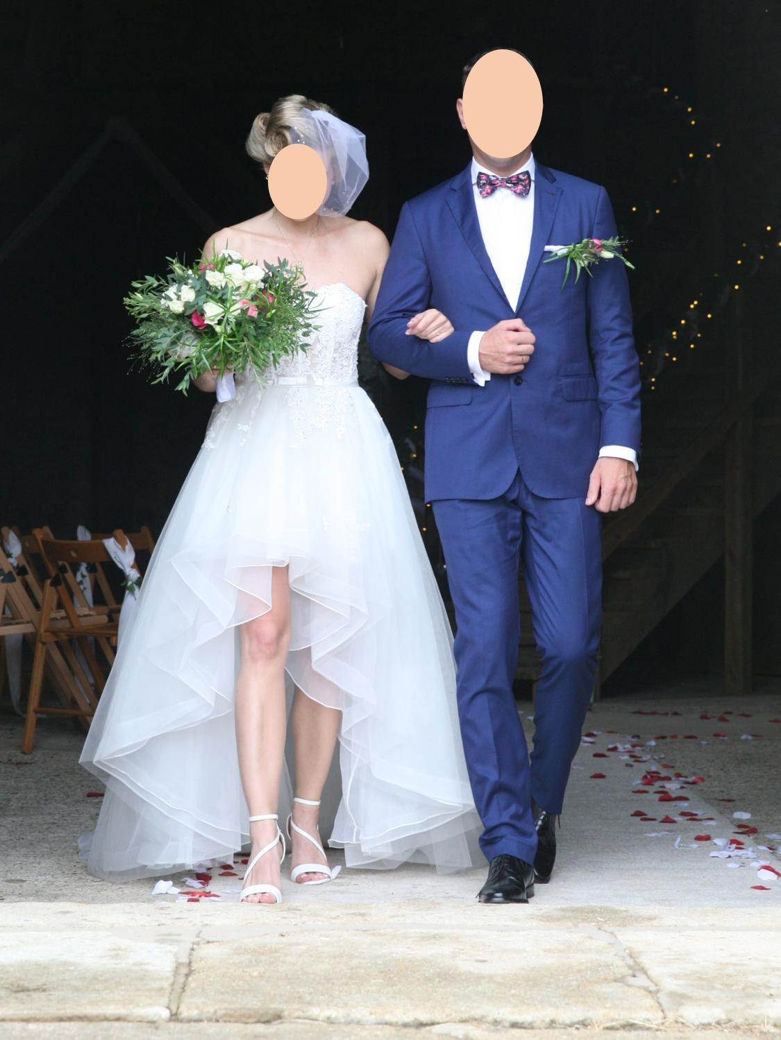 Luxusní netradiční svatební šaty - Obrázek č. 1