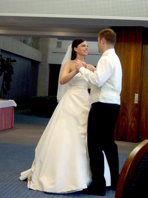 Silvia{{_AND_}}Juraj - ...prvý manželský tanec...