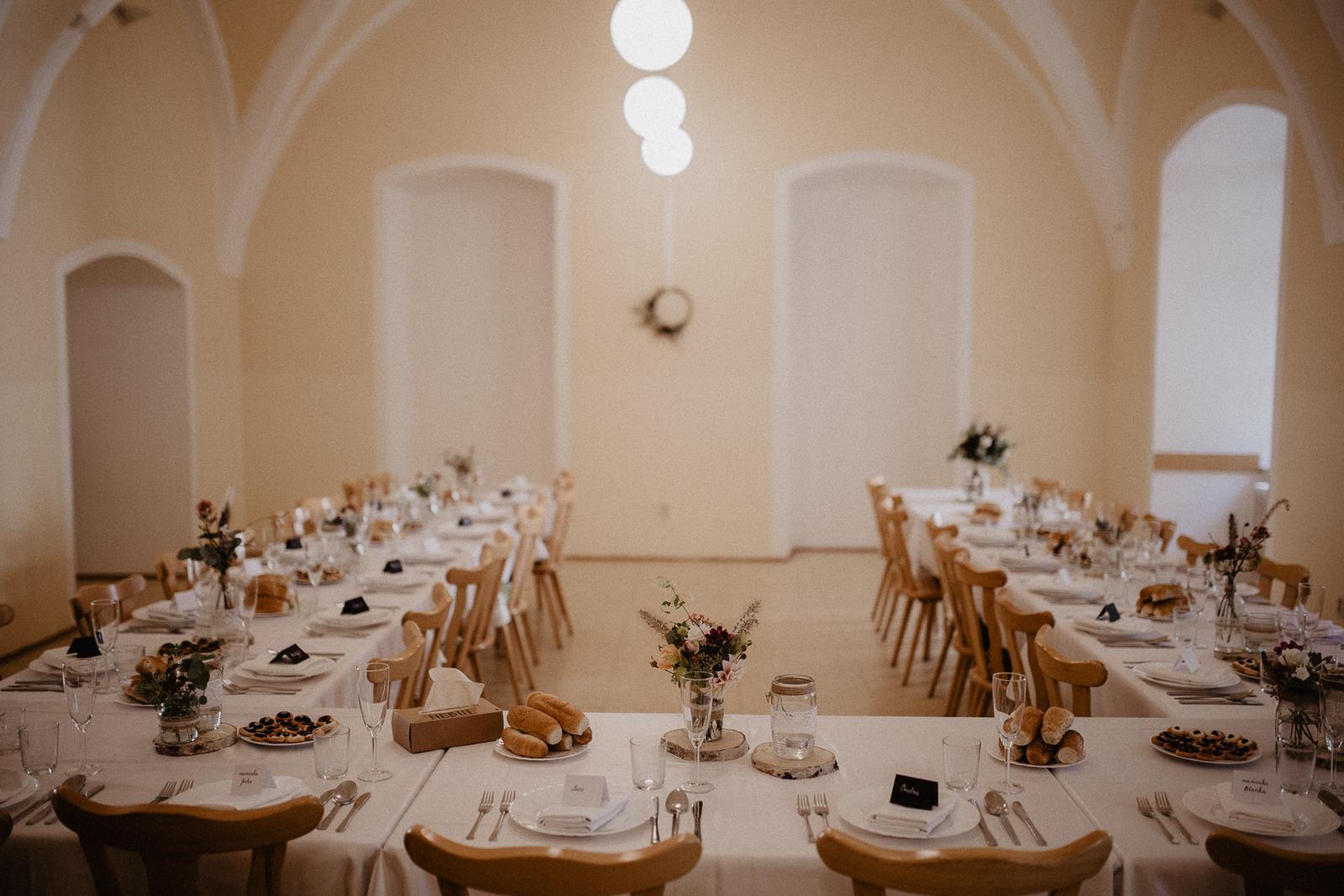 Svatební výzdoba - kulatiny, lampiony, doplňky - Obrázek č. 1
