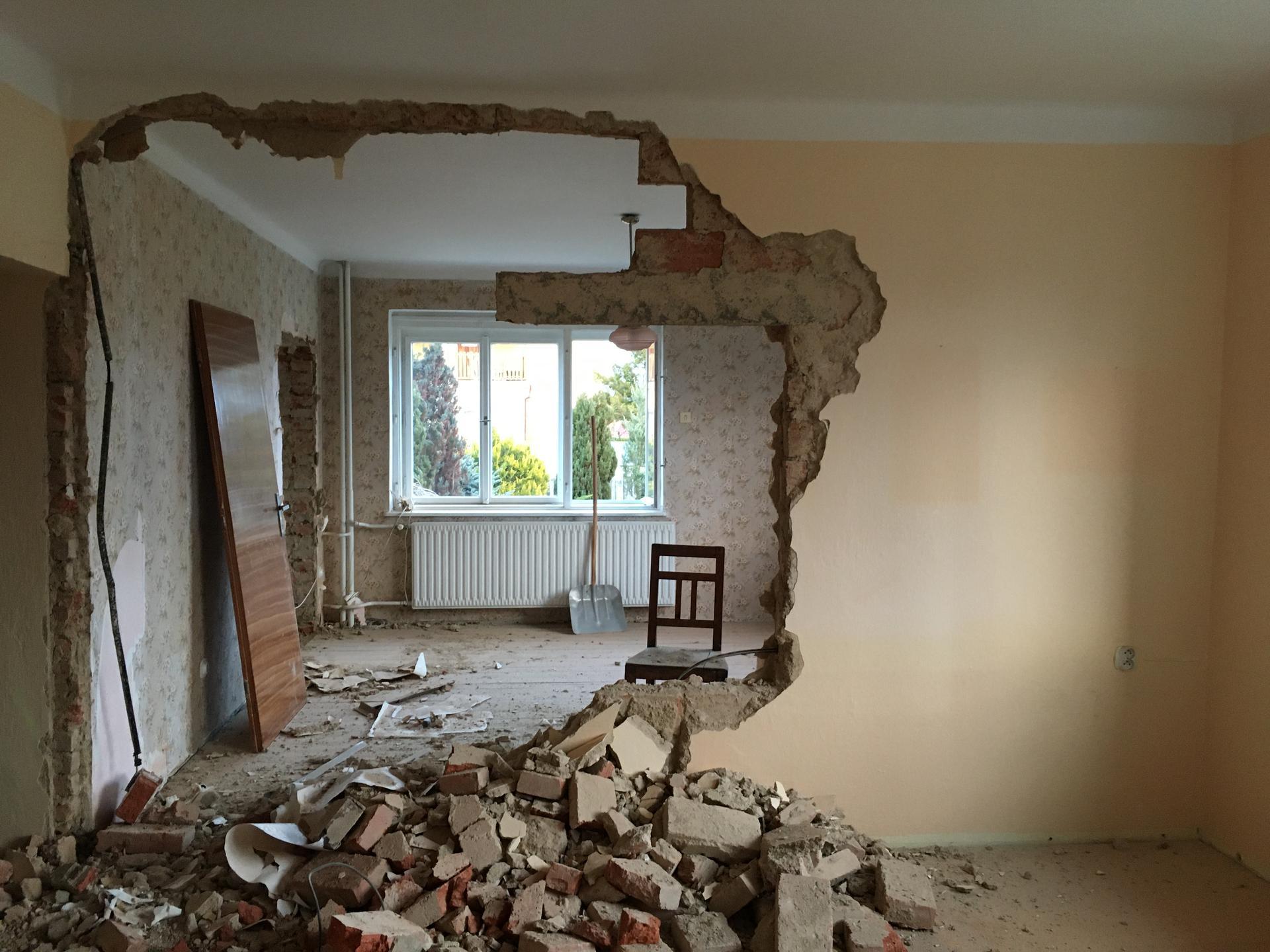 Rekonstrukce 🏡 20/21 - Bourání příčky (obývák X ložnice)