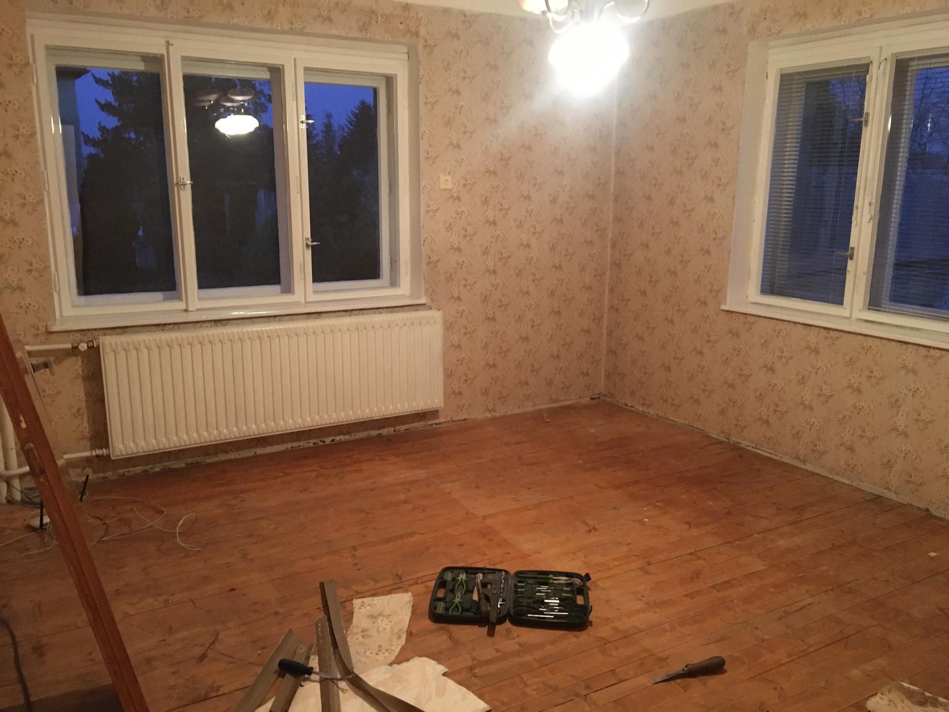 Rekonstrukce 🏡 20/21 - Vyklizená ložnice - příprava na bourání příčky